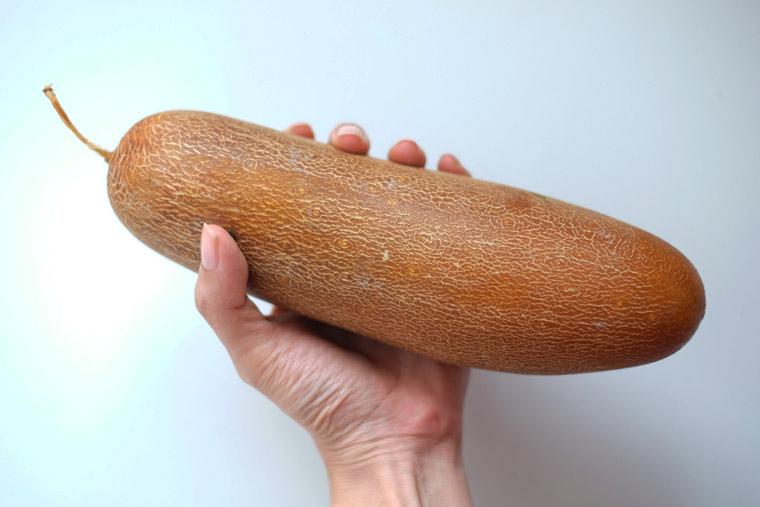 Old Cucumber (lou wong kua: 老黄瓜)