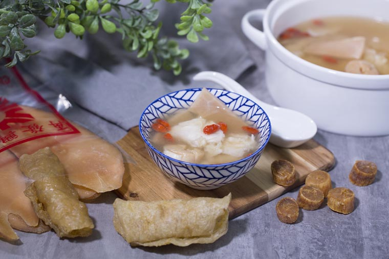 fish maw, conch, and scallop soup